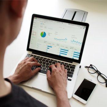 ordenador con stats