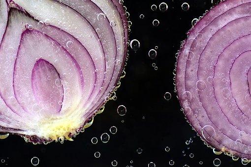 ¿Por qué lloramos cuando cortamos cebollas?
