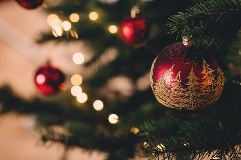 Una emisora de radio emite únicamente música navideña