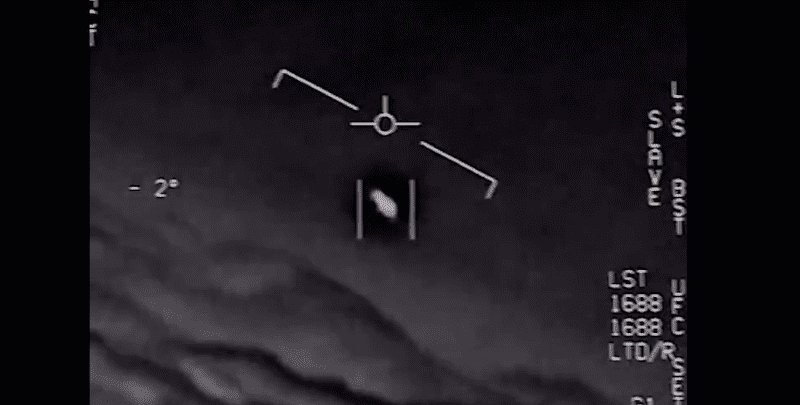 EE UU saca a la luz tres vídeos de avistamientos OVNIS