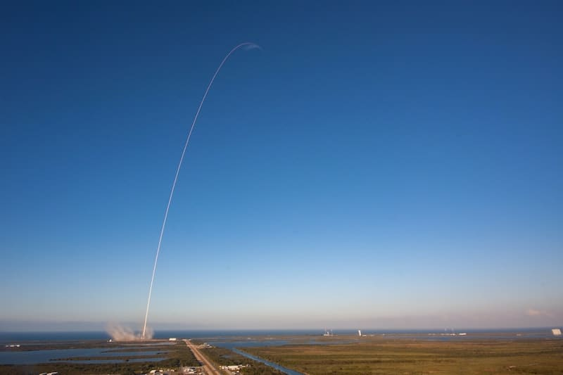 Lanzamiento de un cohete espacial.